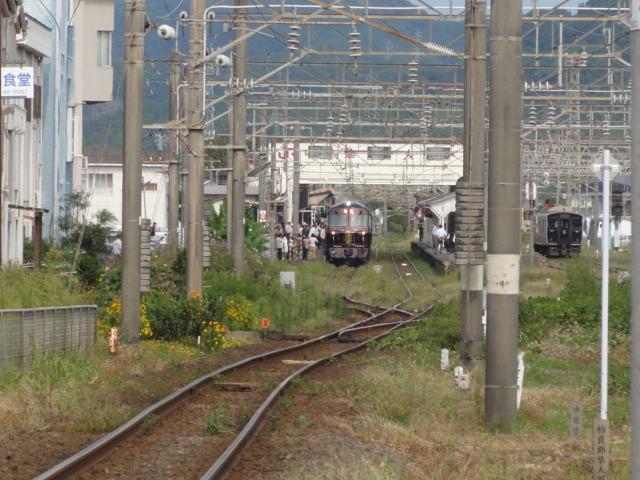 ななつ星、隼人駅.JPG