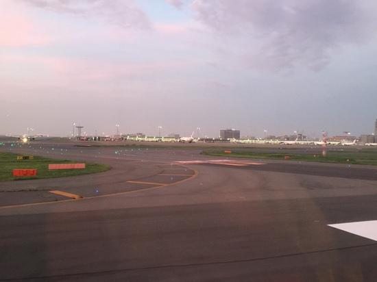 羽田空港滑走路.JPG