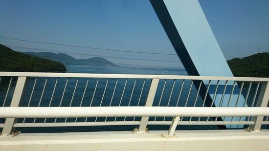 黒の瀬戸大橋 海.JPG