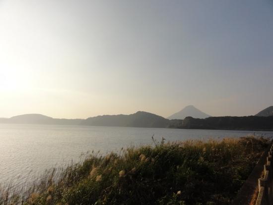 池田湖と開聞岳.JPG