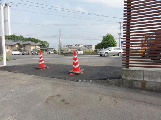 駐車場抜け道.JPGのサムネイル画像