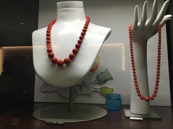 赤サンゴ ネックレス.JPG
