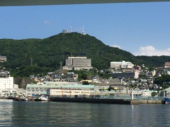海上から稲佐山.JPG